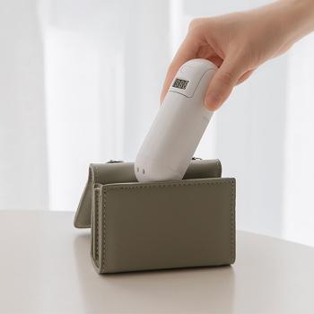 Handheld foldable mini fan