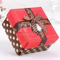 方形帶點禮盒