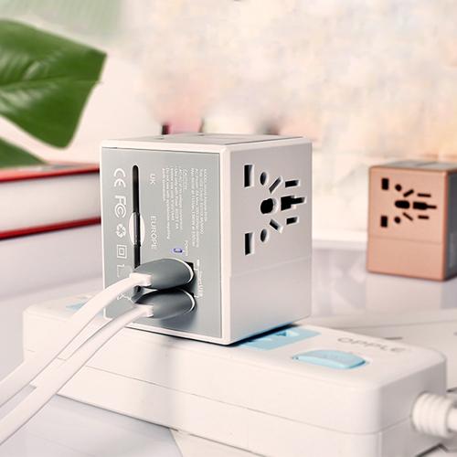 產品插座位置是由多種標準集合一體